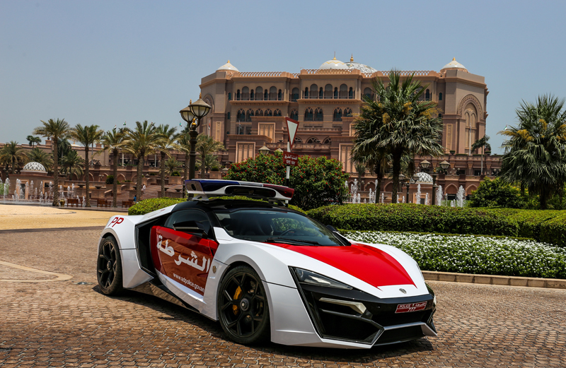 Lykan-HyperSport-Third-Most-Expensive-Car-In-The-World-3