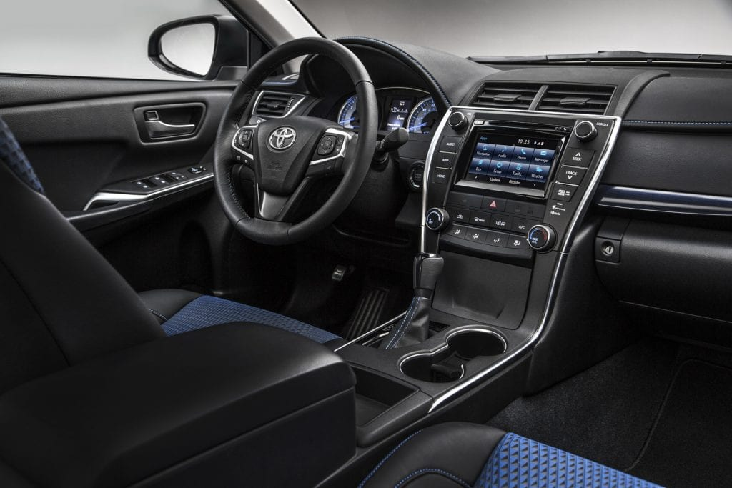2015-Toyota-Camry-Special-Edition-4